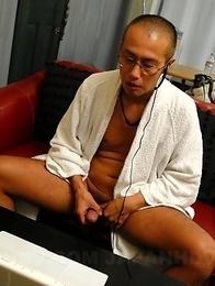Ruri Shinohara pinching her titties