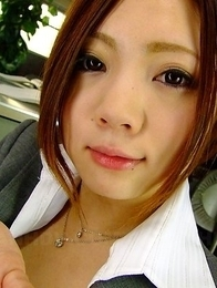 Iroha Kawashima pleases her boss