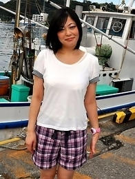 Hot Japanese lady Rika Shibuki