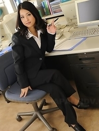 Satomi Suzuki loves to show off
