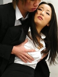 Ai Mizushima gets her pussy creamed