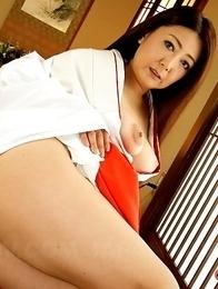 Hot lady Ayano Murasaki gets naked