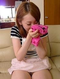 Yui Saejima drills her fine pussy