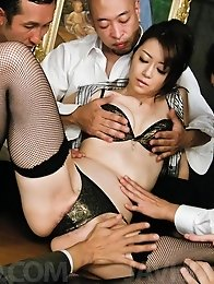 Maki Hojo Asian has cunt, hands and mouth busy with three dongs