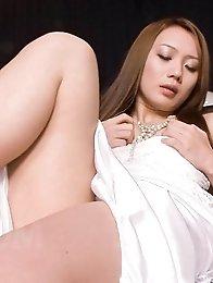 Kazumi Nanase Asian rubs her clit and fingers pink cum dumpster