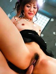 Mami Asakura Asian licks and rides tools she rubbed with feet