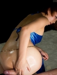 Kaede Oshiro using her well-oiled booty to make this guy orgasm on cam
