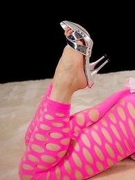 Shizuka Maeshiro posing in pink pantyhose, masturbating, giving assjobs