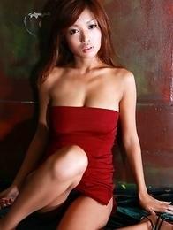 Kana Tsugihara on high heels shows hot butt in black thong