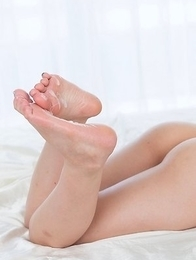 Horny fetishist worships Airi Mashiro's feet before fucking them real hard