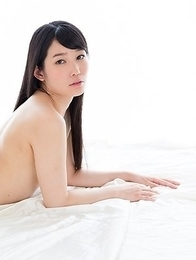 Yui Kasugano shows those perfect legs and feet in a very sensual solo gallery